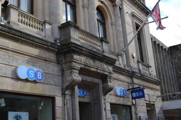 TSB Huge loss blamed on IT meltdown 80000 customers lost branches